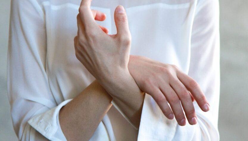 Jakafi medicine- A woman do crossed hands